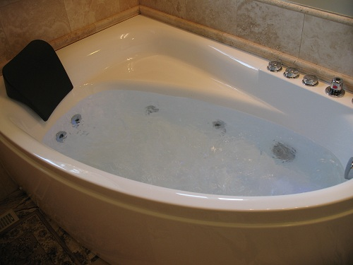 Whirlpool Bathtub for One Person - AM161 | Perfect Bath Canada