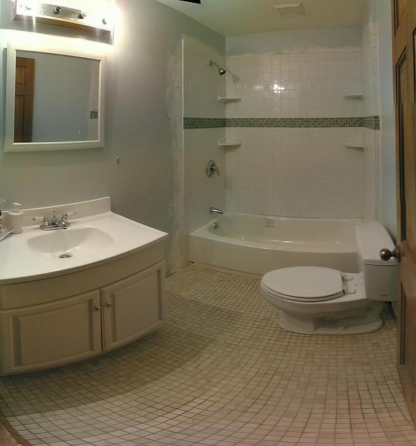 3 Bathroom Cleaning Tips   Perfect Bath Canada