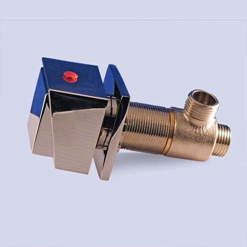 Hot water valve for bathtub